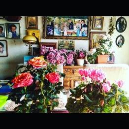 This flowery dining table. PH suegra